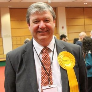 """MP Alistair Carmichael: even considering leaving isles without cover would be """"reckless beyond belief""""."""